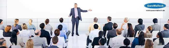 استراتيجيات التوجيه ومهارات الحوار والإقناع
