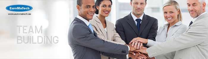 بناء فريق العمل وتحقيق الأداء الأمثل