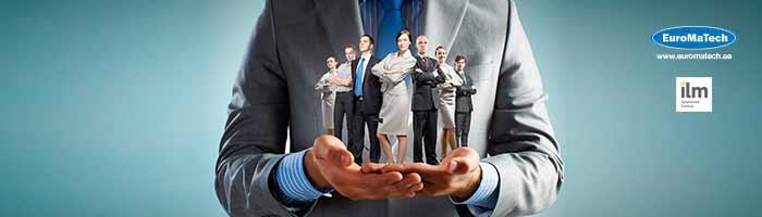استراتيجيات القيادة الفعالة وفقا للمواقف والأحداث