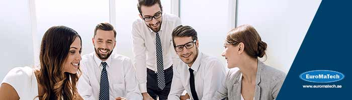 القيادة والإبداع في العمل الإداري