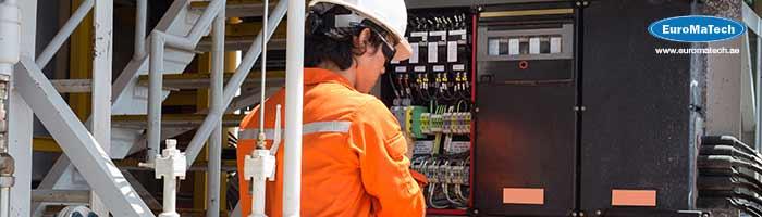 التركيبات الكهربائية والصيانة في المواقع الخطرة