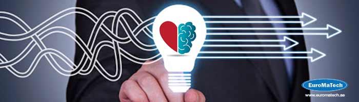 المهارات الإبداعية والذكاء العاطفي في إدارة الأزمات