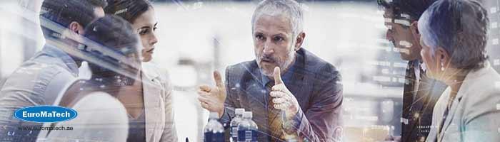القيادة الذكية: تحقيق الاستراتيجية من خلال القيادة والابتكار
